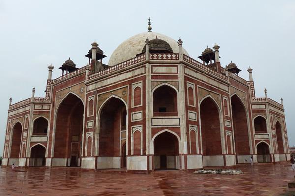 Humayuna tombe à Delhi - Stupa au col du Kumzum La - Voyage moto en Inde