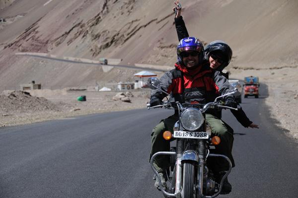 Royal Enfield dans la vallée de l'Indus - Voyage moto au coeur du Ladakh, Inde, Himalaya