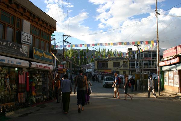 Centre de Leh, la capitale du Ladakh - Voyage moto au coeur du Ladakh, Inde, Himalaya