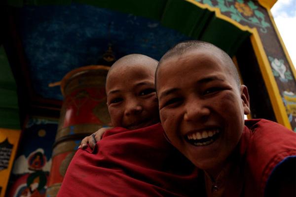 Moines au monastère de Rizong - Voyage à moto Transhimalayenne et Ladakh, Inde, Himalaya